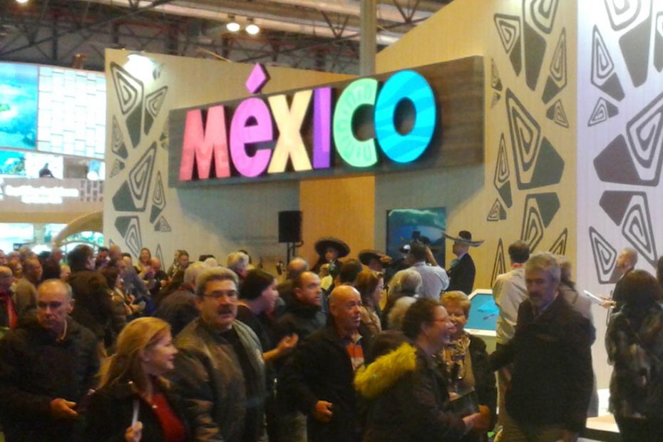 caricaturas FITUR stand Mexico